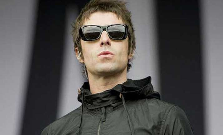 liam gallagher to sell off ny apartment