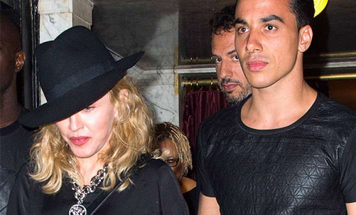 is madonna dating 26 year old choreographer