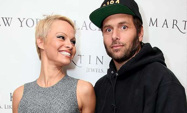 no mood to divorce pamela anderson withdraws her plea for