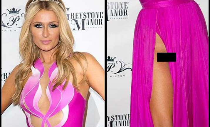 paris hilton suffers terrible wardrobe malfunction see pics