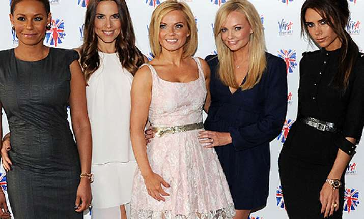 spice girls play matchmaker for singer mel c