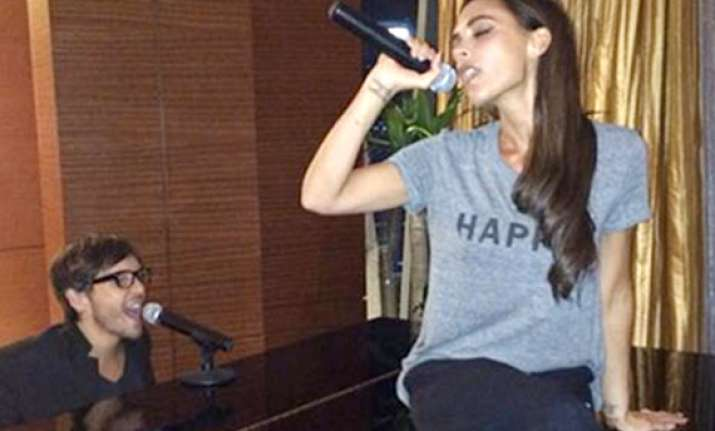 victoria beckham sings after long