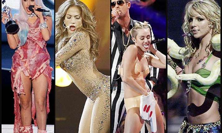 some omg on stage moments of celebrities see pics