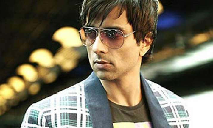 acting dawood ibrahim was tough says sonu sood