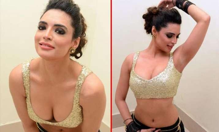 actress shweta bhardwaj does a hot photoshoot at audio