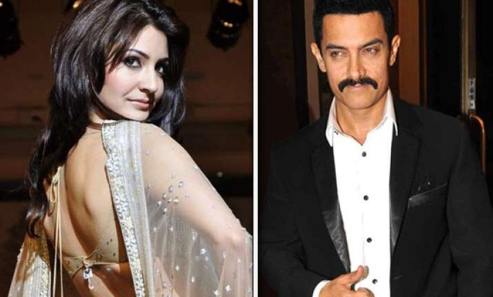 anushka to pair opposite aamir in hirani s film