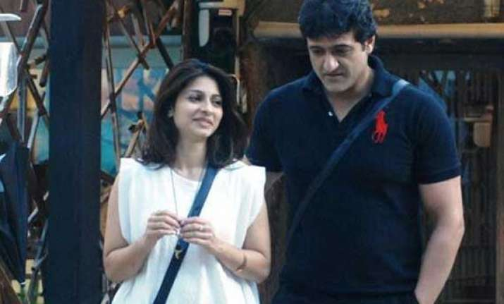 bigg boss 7 naked tanisha and armaan spotted getting