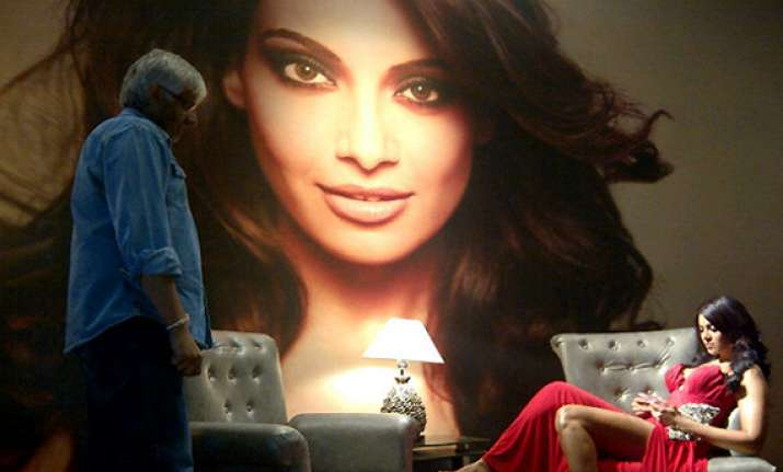 bipasha will dazzle in raaz 3 says mahesh bhatt