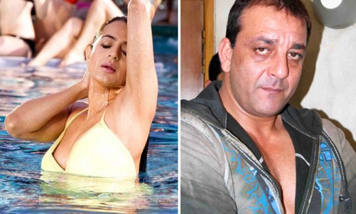 cover up ameesha said sanjay dutt leaving her furious