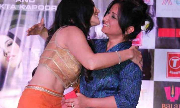 did sunny leone mistake divya dutta as bisexual view pics
