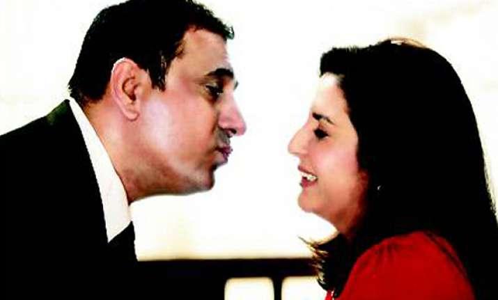 farah does a romantic scene with boman irani but no kisses