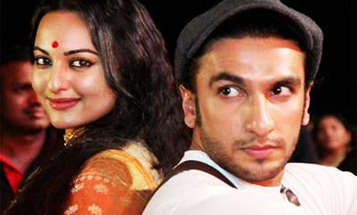 i am not dating anyone says sonakshi