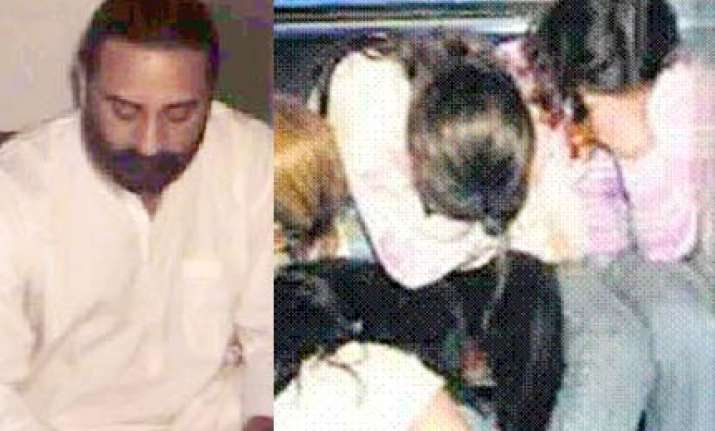 bhimanand offered rs one crore call girls to delhi