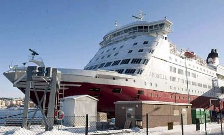 dramatic rescue of 1 000 people trapped in baltic sea ice