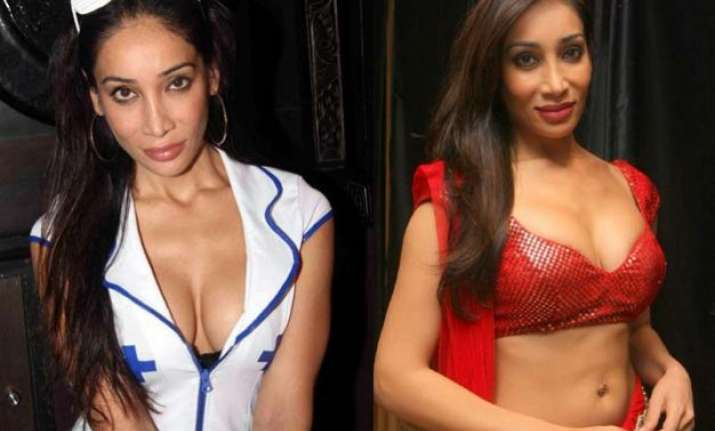 omg sofia hayat posts nude pic to oppose porn ban