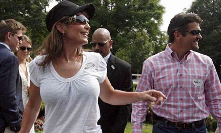 boob job rumours as sarah palin appears in t shirt