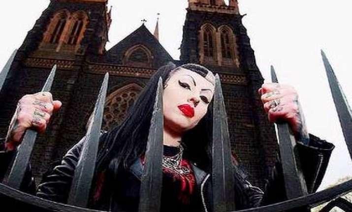 melbourne vampire wife drinks husband s blood