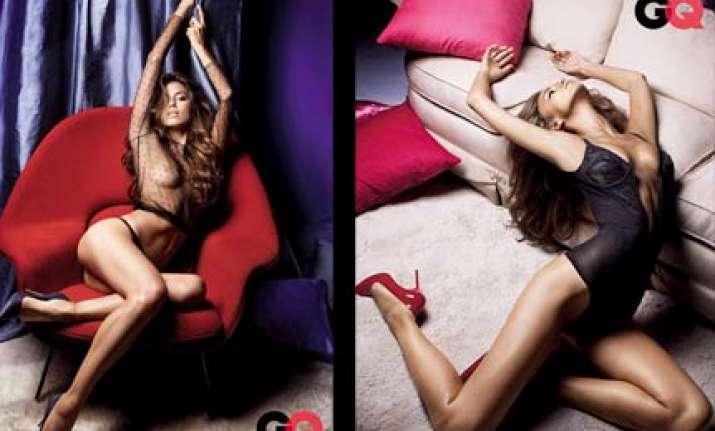 ronaldo s girlfriend poses for gq magazine