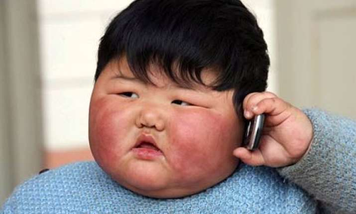 chinese girl weighs 41.3 kgs at the age of two