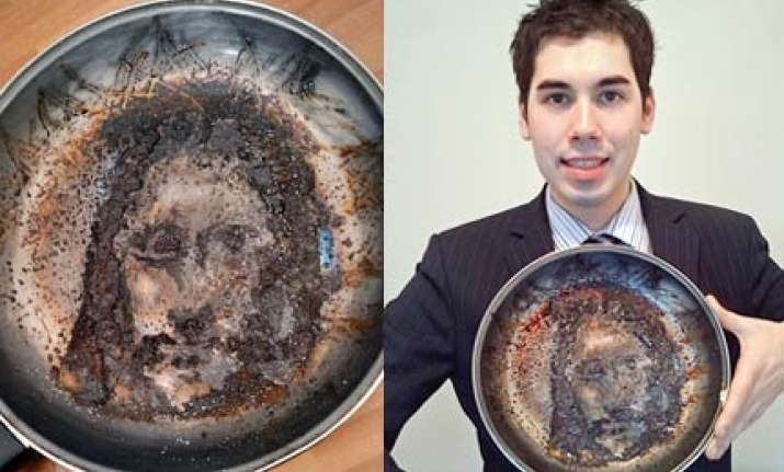 image of jesus appears in bank worker s frying pan