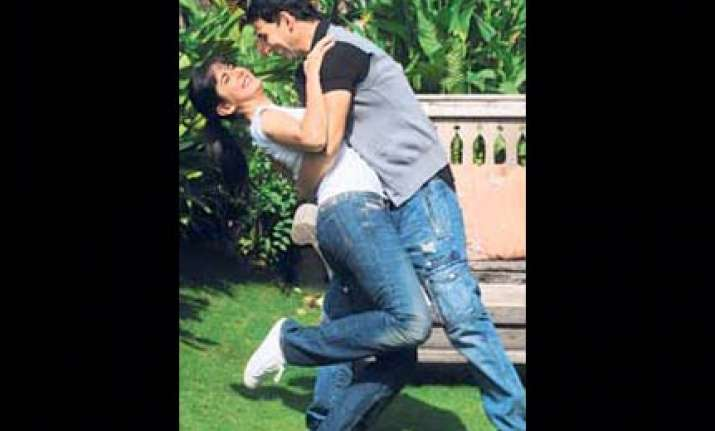 katrina injures her head while shoooting with akshay