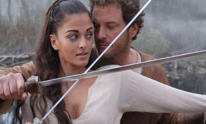 italian writer criticizes aishwarya for poor acting