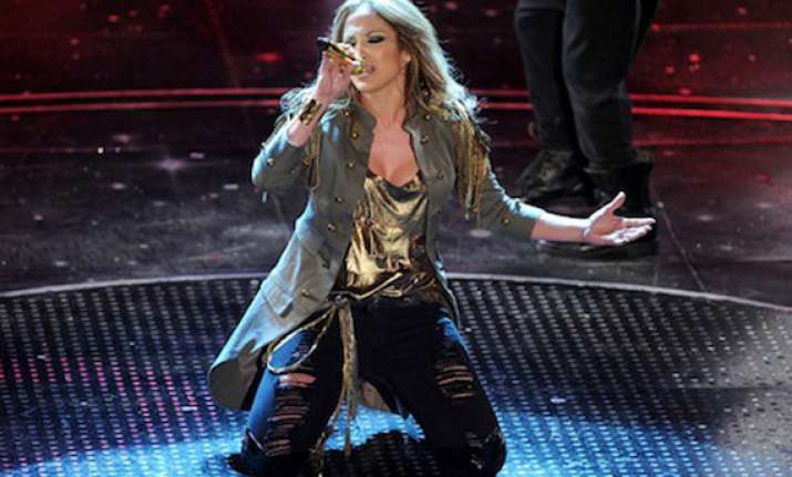 jennifer lopez to perform in mumbai on march 11
