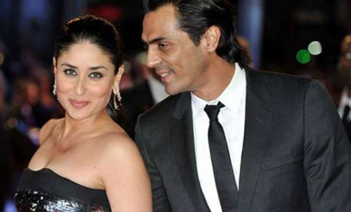 kareena to do halkat jawani item number in heroine
