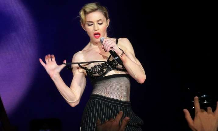 madonna shows her intimate parts