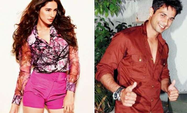 nargis fakhri stays in shahid s home for 5 6 days