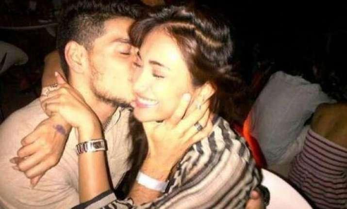 picture of suraj pancholi kissing jiah khan leaked view pics