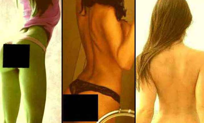 poonam pandey goes shameless posts naked selfies on twitter