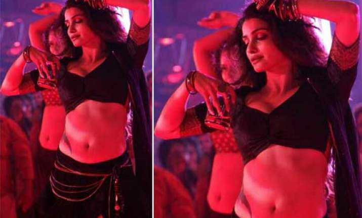 prachi desai looks seductive as bar dancer in ek villain