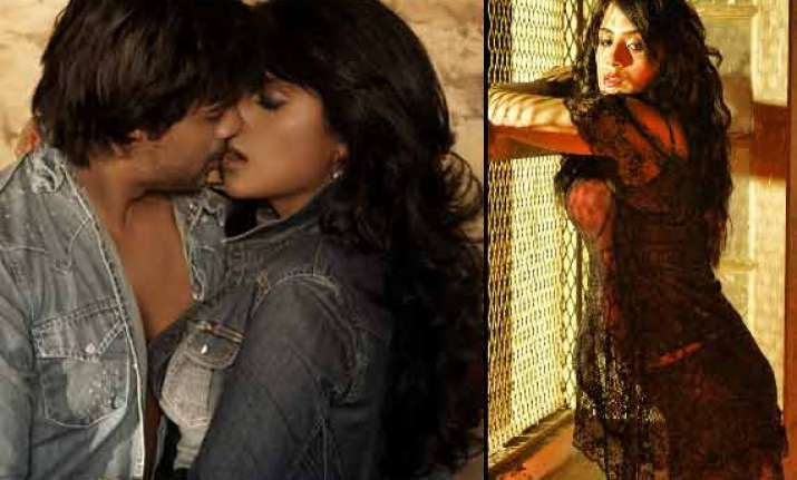 richa chaddha nikhil dwivedi s hottest stills from