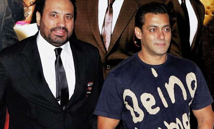 salman posts 80 security guards for dabangg 2 sets to