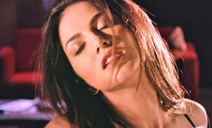 sunny leone s hot uncensored scene from ragini mms 2 leaked