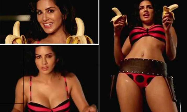 sunny leone s mastizaade teasing teaser out watch video