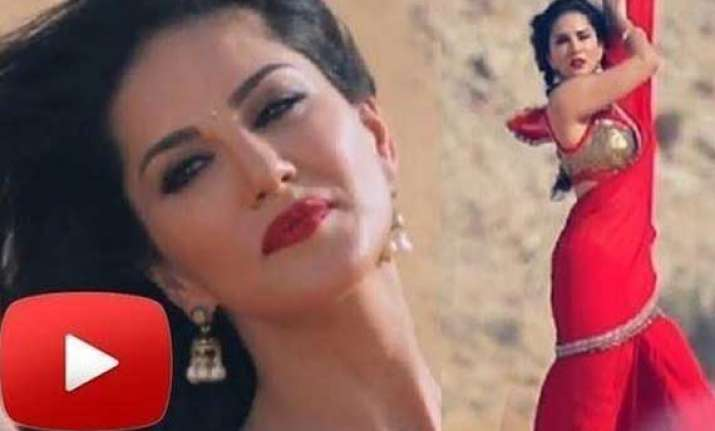 sunny leone s sari wali girl song out looks tempting watch