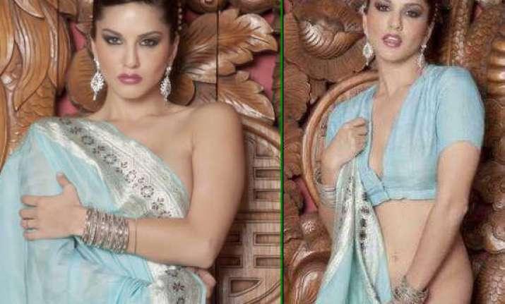 sunny leone poses in hot blue sari sans blouse