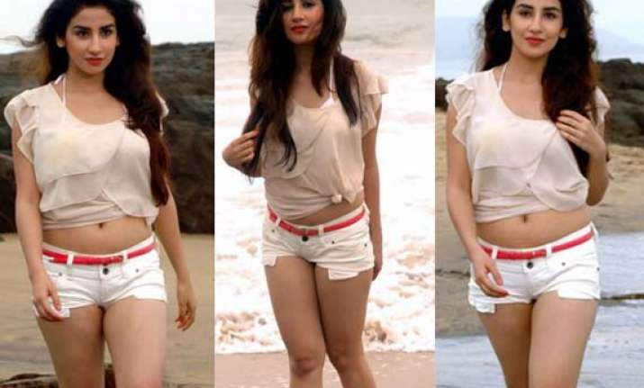 tv actress parul gulati does hot beach photoshoot