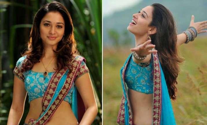 tamannaah sizzles in blue sari view pics