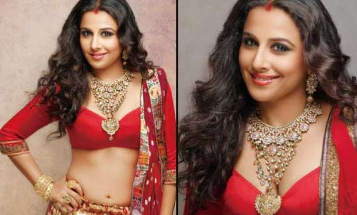 vidya balan s erotic photoshoot for blitz view pics