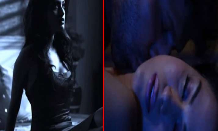 watch veena malik and riya sen s intimate scene from