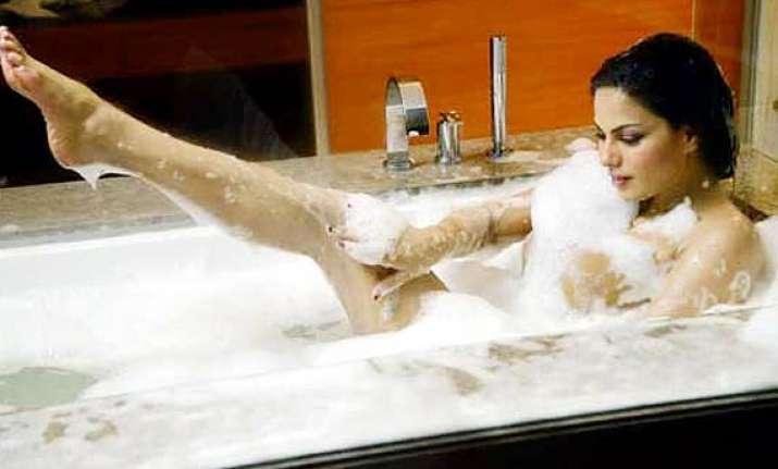 Veena Malik's Nude-sleazy Stills From 'Nagna Satyam' Out