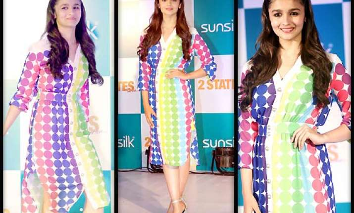 alia bhatt emanates a breath of freshness at 2 states event
