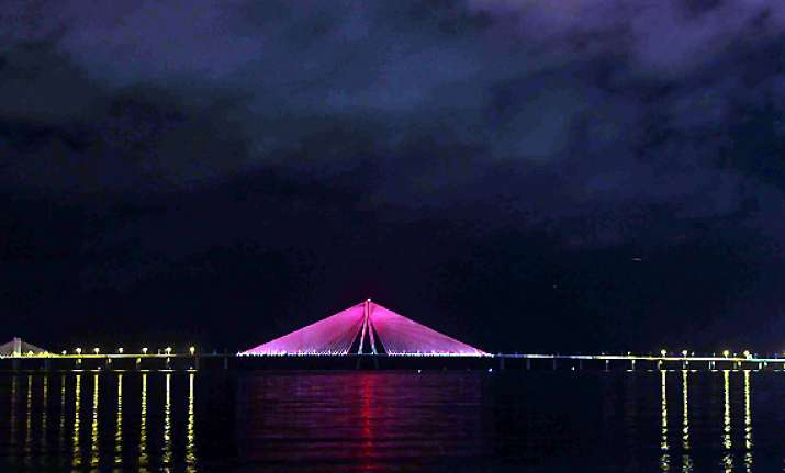 it s pink for bandra worli sea link see pics