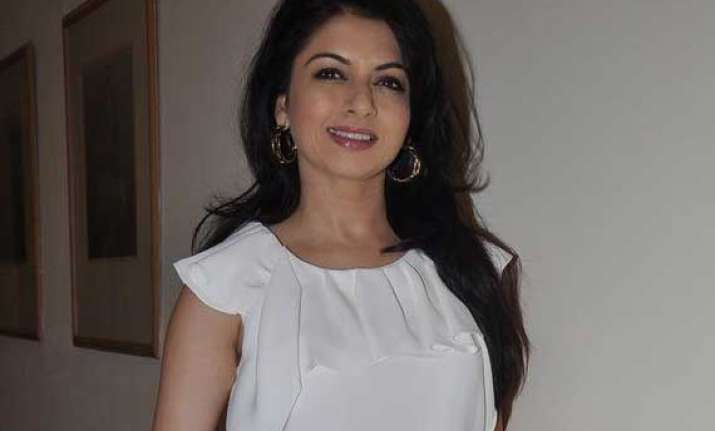 bhagyashree at amy billimoria fashion show