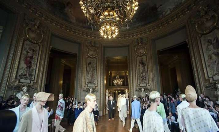 designers roll out fresh summer look in paris