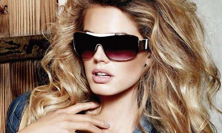 flaunt sunglasses that suit face cut