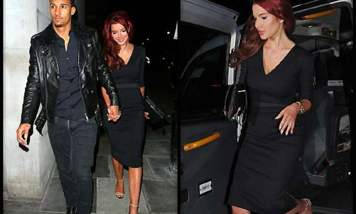 helen flanagan opts for lbd for date
